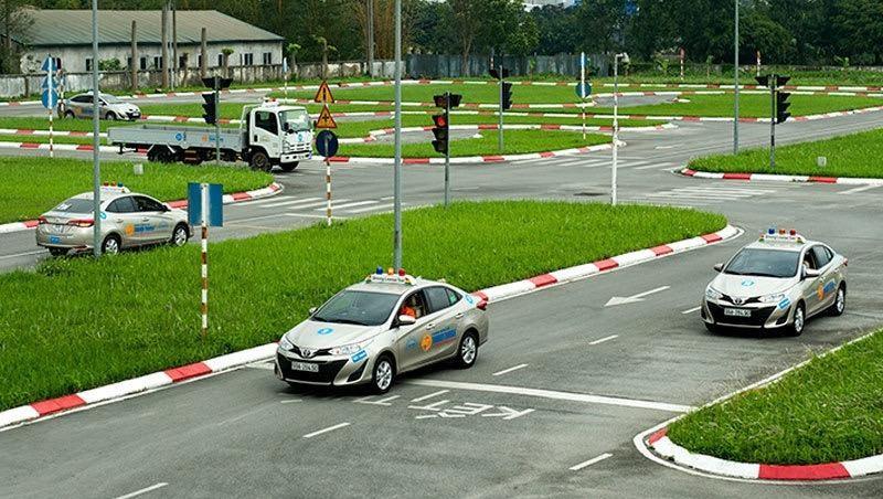 UBND TP đề nghị Sở Giao thông vận tải tăng cường kiểm tra, siết chặt kỷ cương công tác đào tạo sát hạch, cấp giấy phép lái xe.
