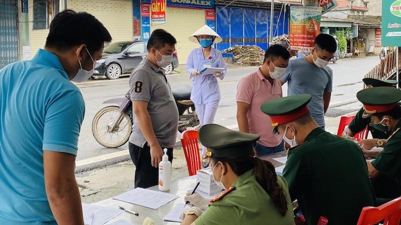 Từ 12h ngày 25/3, người dân từ tỉnh Hải Dương đến Hải Phòng chỉ thực hiện khai báo y tế và tự theo dõi sức khỏe, không phải cách ly y tế tập trung.