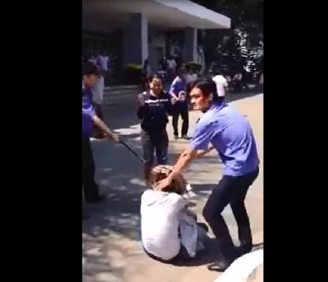 Video bảo vệ bệnh viện Quảng Ngãi đánh người