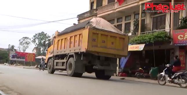Hà Nội: Xe chở quá tải hoành hành khu vực huyện Thường Tín
