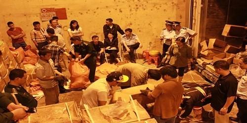 Một doanh nghiệp xuất lậu 2 tấn vảy tê tê và 860kg ngà voi