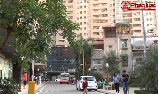 Bản tin Ngân hàng - Địa ốc: Liên tiếp xuất hiện nhiều vết nứt, dột tại hầm xe của chung cư Nam Đô Complex