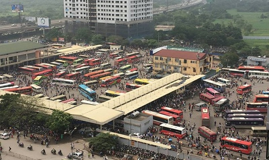 Chủ tịch Hà Nội chỉ đạo làm rõ việc tăng giá cước vận tải hành khách