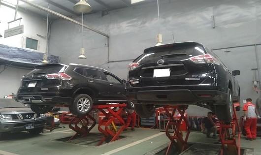 Nhiều chủ xe bất bình với kết luận của Nissan Việt Nam về lỗi rò rỉ dầu