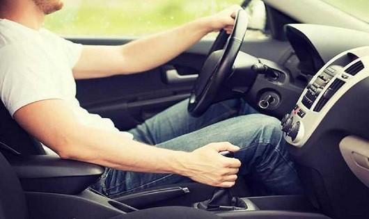 Nhiều dấu hiệu nhận biết hộp số ô tô cần phải kiểm tra