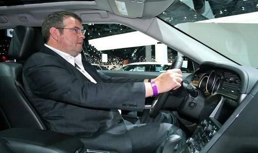 Bạn có ngồi đúng tư thế lái xe ô tô?