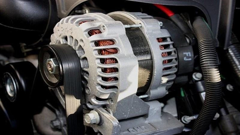 Dấu hiệu nhận biết máy phát điện ô tô bị hỏng