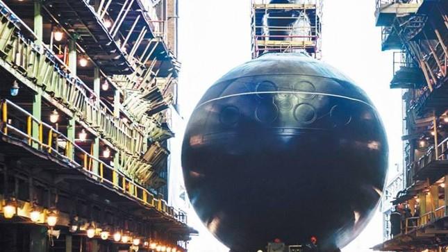 Việt Nam nhận tàu ngầm Kilo đầu tiên