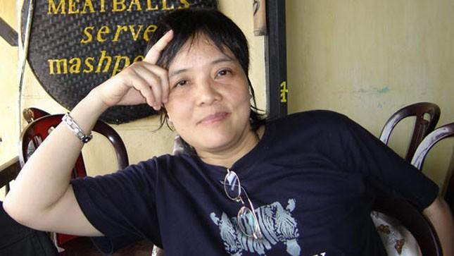 Tiến sĩ Văn học Đoàn Hương