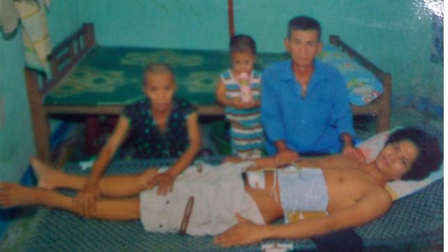 Tai nạn ập đến khiến gia đình anh Đẩu tan tác