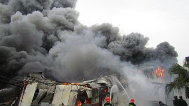Làng lụa Vạn Phúc hoảng loạn trong biển lửa