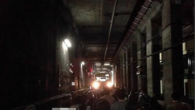 Tai nạn thảm khốc, 2 tàu điện ngầm đấu đầu tại Seoul