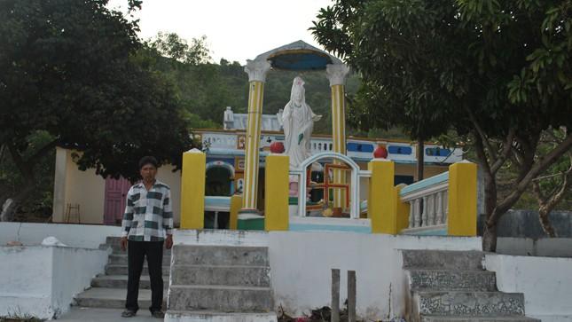 """Bí ẩn về pho tượng Phật Lồi """"bảo hộ"""" làng chài không thể bị mất trộm"""