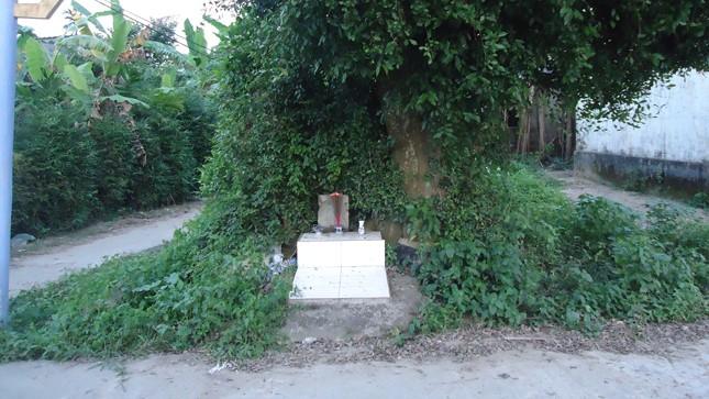 Hòn đá trấn ở làng An Thành