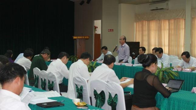 Một phiên thảo luận tại tổ của QH