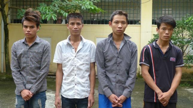 3 gã cửu vạn nổi máu tướng cướp vì bị pê-đê rờ rẫm