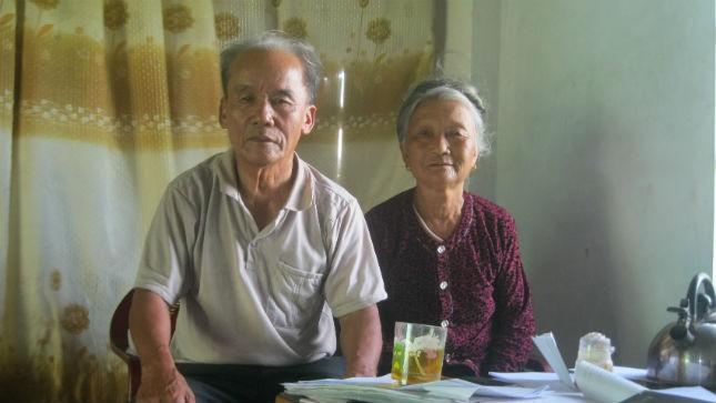 Vợ chồng ông Khai hơn 10 năm mang đơn đi khiếu nại.