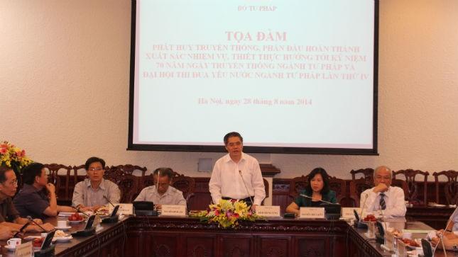 lThứ trưởng Đinh Trung Tụng phát biểu tại Tọa đàm.