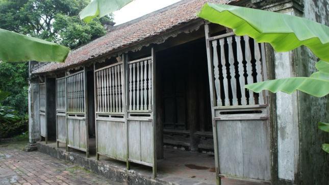 Tám đời chủ lụi tàn tại ngôi nhà Bá Kiến