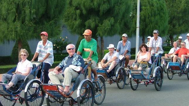 Du khách quốc tế thăm Việt Nam