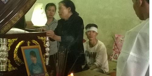 Mẹ chồng khóc ngất trước cái chết của con dâu
