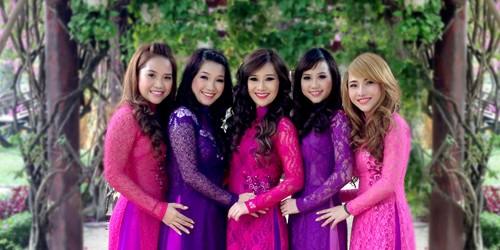 5 chị em nhà họ Pang liên tiếp nhận nhiều giải thưởng về nail