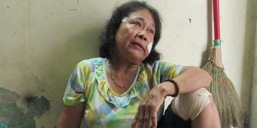 Phải đến khi con trai bị cảnh sát truy bắt, bà Tĩnh mới dám trở về nhà mình