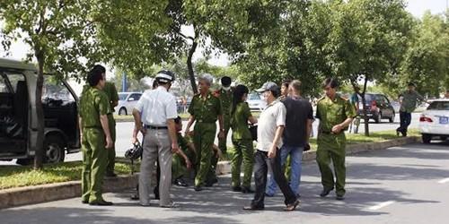 Thiếu tướng Phan Anh Minh, Phó Giám đốc Công an TP HCM trực tiếp ra hiện trường chỉ đạo phá án