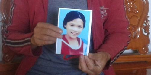 """Con gái mất tích, mẹ bị gạ """"đổi tình"""" lấy thông tin"""