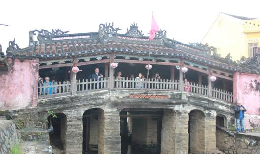 """Bí ẩn tượng """"thần khỉ"""" ở ngôi chùa nổi tiếng Việt Nam"""