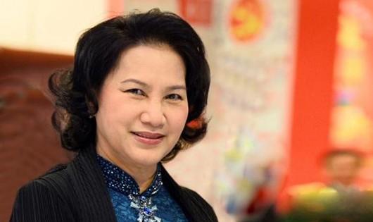 Tân chủ tịch Quốc hội long trọng thực hiện nghi thức tuyên thệ