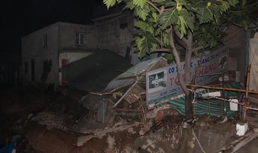 TP.Biên Hoà: Mưa đầu mùa làm sập nhà, uy hiếp cầu Đồng Khởi