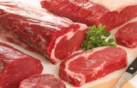 Hoàn toàn sai lầm khi dùng nước nóng già để rửa thịt