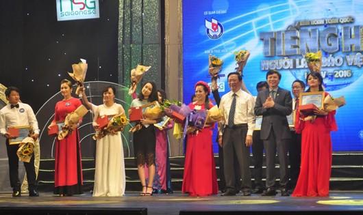 Báo PLVN dành giải Nhì Bán kết khu vực phía Bắc Liên hoan Tiếng hát Người làm báo