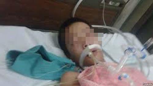 Nạn nhân Đỗ Đưng Dư lúc cấp cứu trong bệnh viện