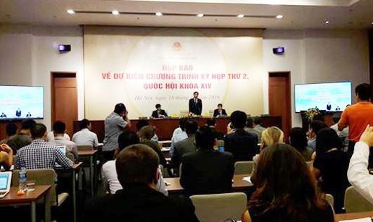 Quốc hội khóa 14: Tiếp tục đổi mới để nâng cao chất lượng lập pháp