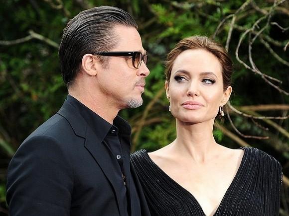 Sau ly hôn, Angela Jolie hút thuốc lá thay cơm, thân hình ngày càng tiều tụy đáng sợ 0