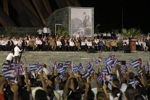 Lễ tưởng niệm lãnh tụ Fidel Castro tại Santiago de Cuba ảnh 2