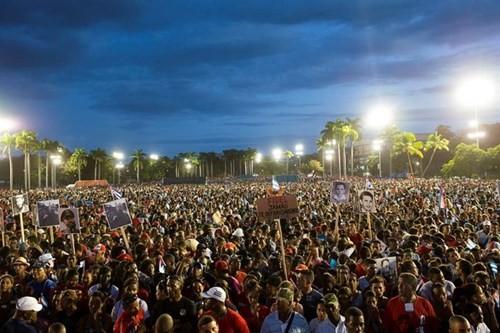 Lễ tưởng niệm lãnh tụ Fidel Castro tại Santiago de Cuba ảnh 8