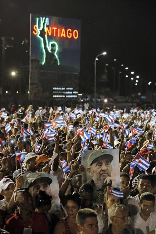 Lễ tưởng niệm lãnh tụ Fidel Castro tại Santiago de Cuba ảnh 7