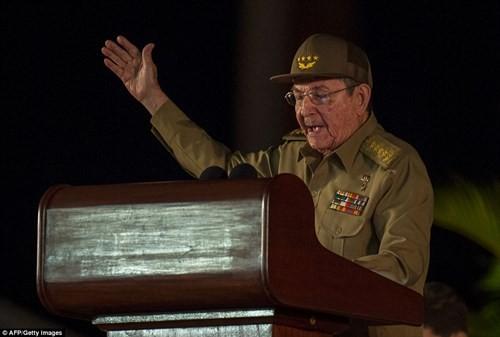 Lễ tưởng niệm lãnh tụ Fidel Castro tại Santiago de Cuba ảnh 5