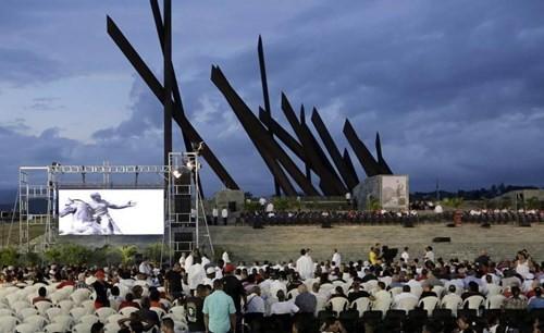 Lễ tưởng niệm lãnh tụ Fidel Castro tại Santiago de Cuba ảnh 3