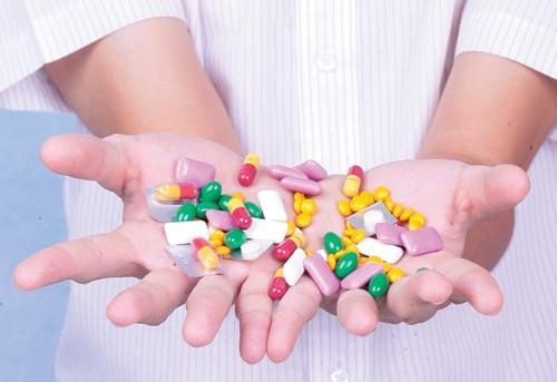 Thủ tướng yêu cầu kiểm tra việc kê đơn thuốc kháng sinh