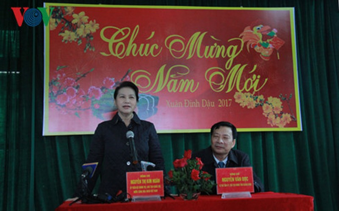khong co cot moc nao vung chac bang long dan o bien gioi hinh 4