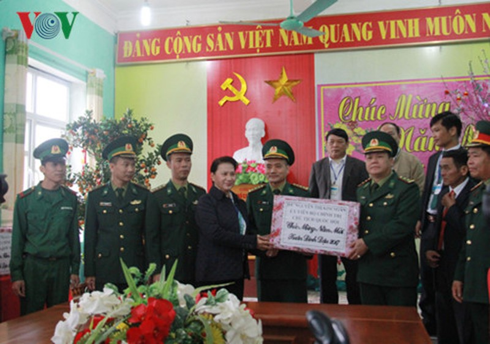 khong co cot moc nao vung chac bang long dan o bien gioi hinh 3