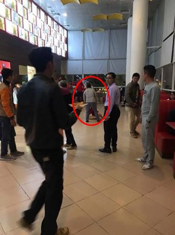 Người phụ nữ tố bị chồng cùng người nhà đánh đập, giật con nhỏ từ tay mình tại rạp chiếu phim ở Hà Nội - Ảnh 5.