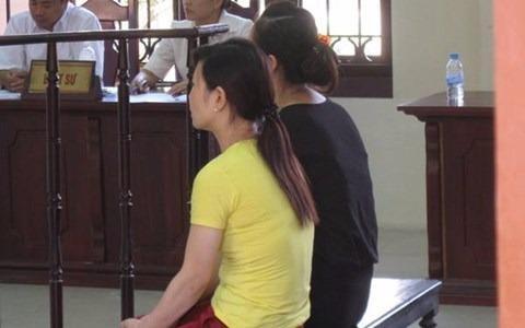 Hai 'bảo mẫu tại phiên tòa ngày 25/8