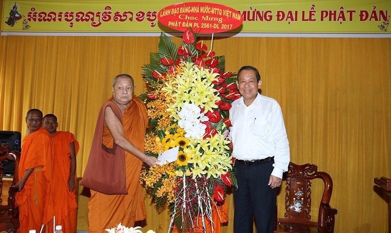 Phó Thủ tướng chúc mừng Lễ Phật đản