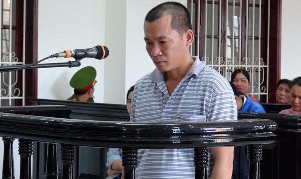 19 năm tù cho kẻ dìm 'vợ hờ' xuống mương đến chết