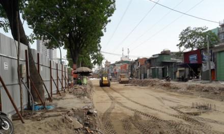 Dịch chuyển, chặt hạ 1.300 cây xanh trên đường Phạm Văn Đồng: Mới chỉ là đề xuất ảnh 1